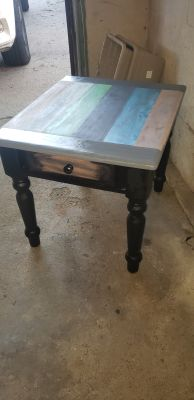 New Solid Wood End Table With Drawer