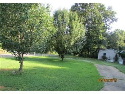 3 Bed 2 Bath Foreclosure Property in Vance, AL 35490 - Deer Chase Rd