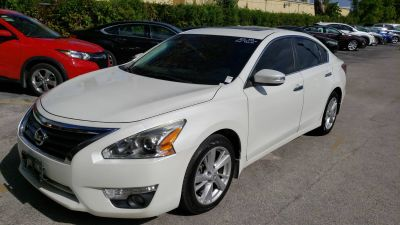 2015 Nissan Altima 2.5 (white)