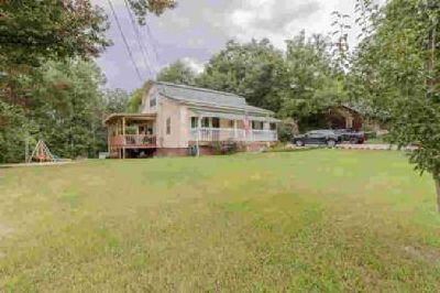 294 Ridge St Trion Three BR, Looking for an updated home in the