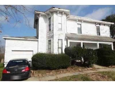 3 Bed 1 Bath Foreclosure Property in Leesburg, OH 45135 - W Main St