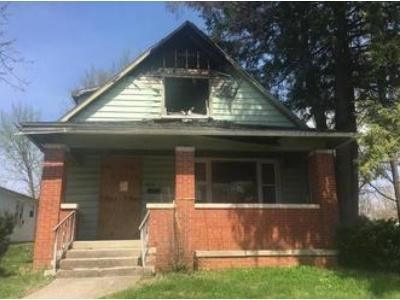 4 Bed 2 Bath Foreclosure Property in Princeton, IN 47670 - E Water St