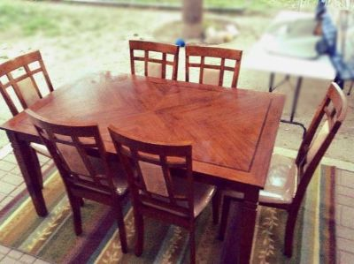 Dining room table w6 chairs  (pharr tx)