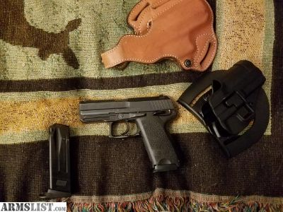 For Sale: H&K USP Compact .40SW