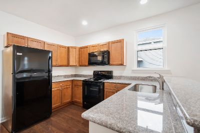 3 bedroom in Holly Grove