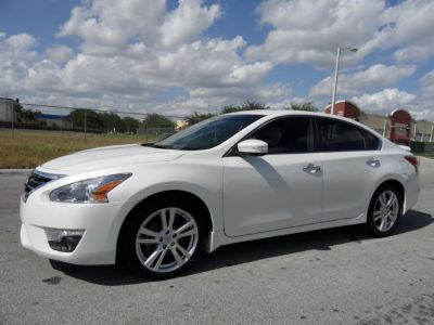 2013 Nissan Altima on urgent sale