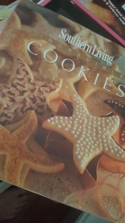 SOUTHERN LIVING COOKIES! Precious little cookbook on different types of cookies!