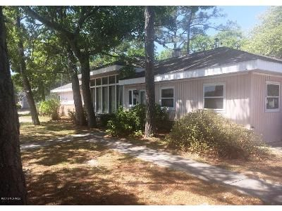 4 Bed 2 Bath Foreclosure Property in Oak Island, NC 28465 - E Oak Island Dr