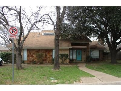 4 Bed 3 Bath Foreclosure Property in Arlington, TX 76013 - Southcrest Dr