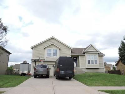 3 Bed 2 Bath Preforeclosure Property in Gardner, KS 66030 - E Hawthorn St