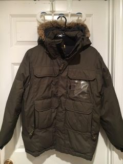 Gap heavy thick hooded army green boys winter coat. Size xxl but says (14/16)