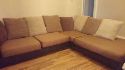 $850, MUST SELL ASAP Like New 2 Piece Sectional Couch