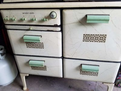Detroit Jewel stove