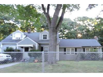 3 Bed 1 Bath Foreclosure Property in Stratford, CT 06614 - Wainwright Pl