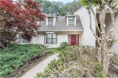 Beautiful Sandy Springs Town House Great Location!