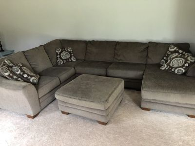 3 Piece Sectional Couch w/ Ottoman