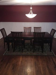 $200, Dining room table 6 chairs