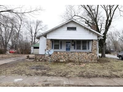2 Bed 1 Bath Foreclosure Property in Versailles, MO 65084 - Mcnair St