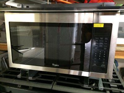 "Whirlpool 21.75"" Built in Dishwasher w/ Trim Kit"