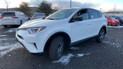 2018 Toyota RAV4 LE (White)