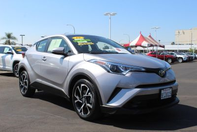 2019 Toyota C-HR XLE (SILVER KNOCKOUT)