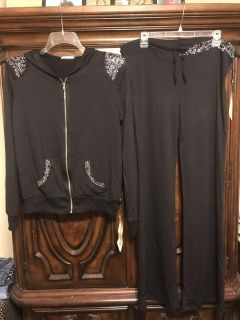 Beautiful NEW Black Hoodie Jacket & Pants Outfit Gem Accents Women s Size XL $25.00