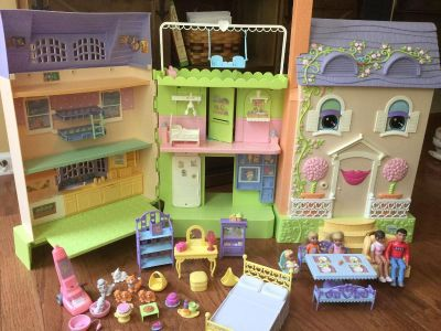 Learning Curve Mrs Goodbee interactive dollhouse
