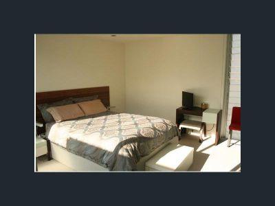 Large Room for rent in HUGE Apt