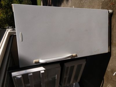 Fridgedaire upright freezer