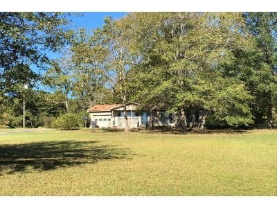 1 Bath Preforeclosure Property in Milledgeville, GA 31061 - Grace Weaver Rd SW