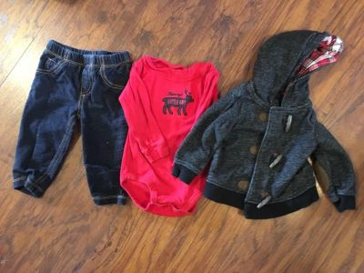 Carters 3 piece set red long sleeve mommy little guy onesie with matching jacket and pants - size 9 months