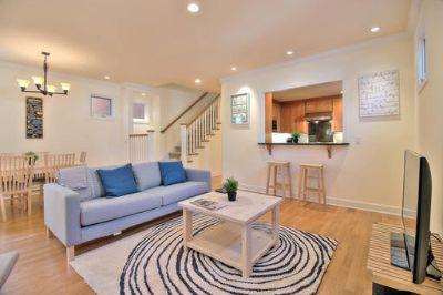 $8910 3 single-family home in Menlo Park