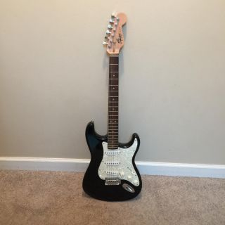 Squier Stratocaster Electric Guitar. Additional & Meet info below...