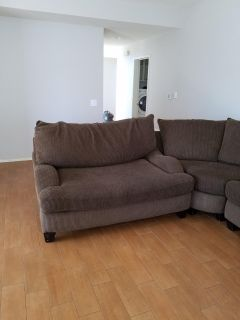 GREAT CONDITION SECTIONAL SOFA /ALSO WALL PICTURES DINING ROOM OR BATHROOMS