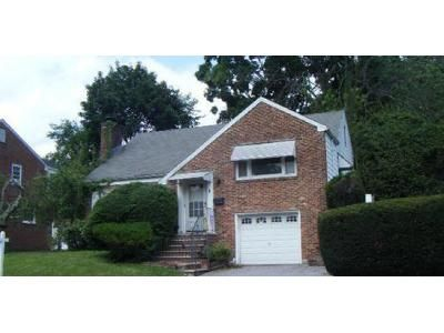 4 Bed 2 Bath Preforeclosure Property in West Orange, NJ 07052 - Brookside Rd