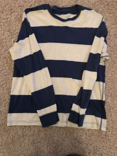 Old Navy tee size L