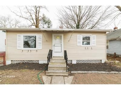 2 Bed 1 Bath Foreclosure Property in Pennsville, NJ 08070 - Harding Ave