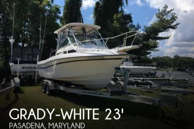 2000 Grady White 232 Gulfstream