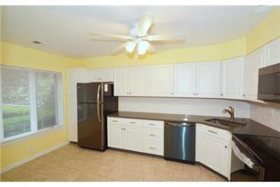 Townhouse for rent in Hempstead. Single Car Garage!