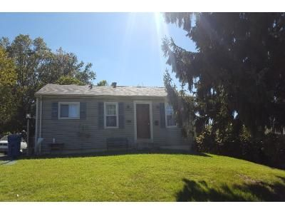 3 Bed 1.0 Bath Preforeclosure Property in Maryland Heights, MO 63043 - Creve Coeur Mill Rd