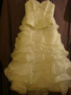 $175 Wedding dress size 6 Maggie Sottero