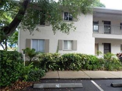Very convenient, pet friendly, larger Winter Haven Park Lake Condo