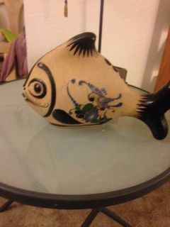 Hand Painted Pottery Fish z Mexico theme is pained with Exotic Bird