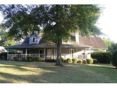 3 Bed 2.5 Bath Foreclosure Property in Lizella, GA 31052 - Columbus Rd