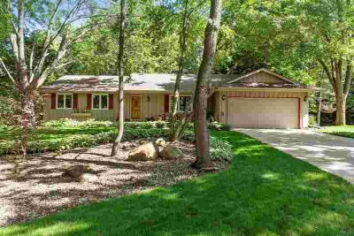 13952 Galway Court SAINT PAUL Three BR, Rarely does such an