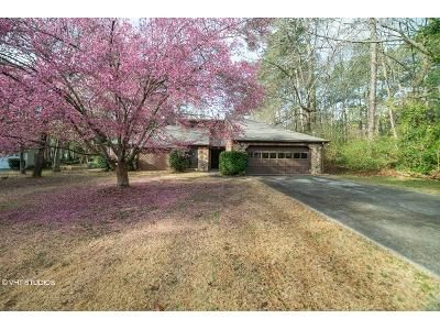 3 Bed 2 Bath Foreclosure Property in Grayson, GA 30017 - Lou Ct