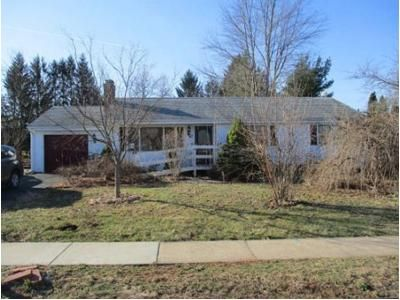 3 Bed 1 Bath Foreclosure Property in Rocky Hill, CT 06067 - Partridge Dr