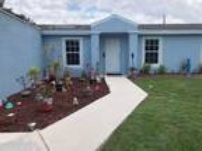 Home For Sale by Owner in Okeechobee