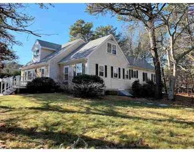 70 Anthiers Way Edgartown Four BR, Large Cape with