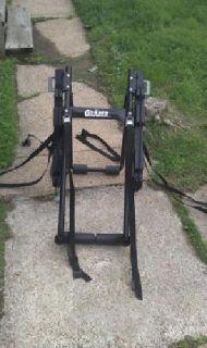 $40 OBO Graber 3 bike truck rack